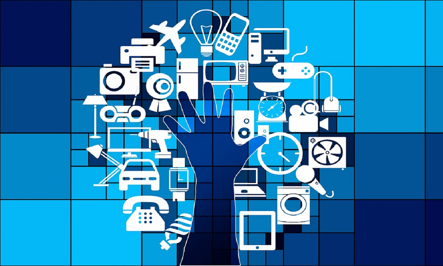 Discuss the impact of internet on supply chain management.